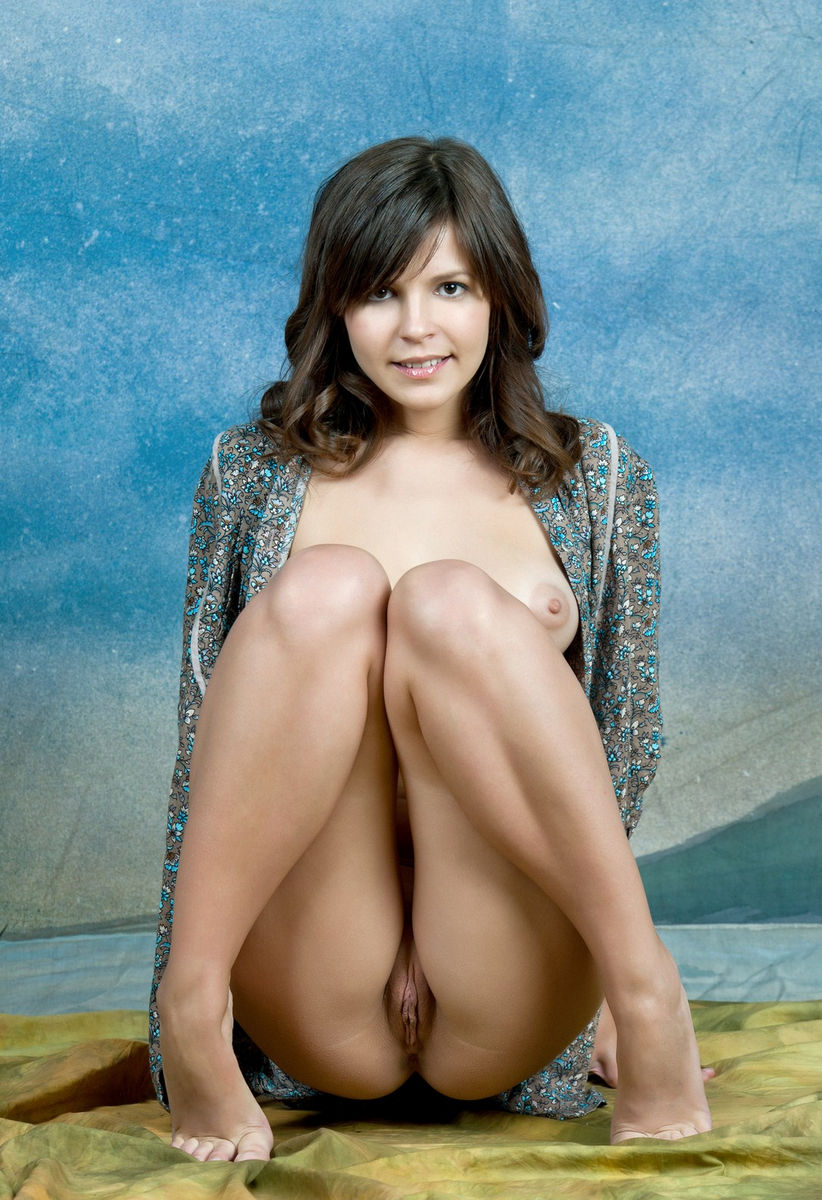 selena gomez and meley naked