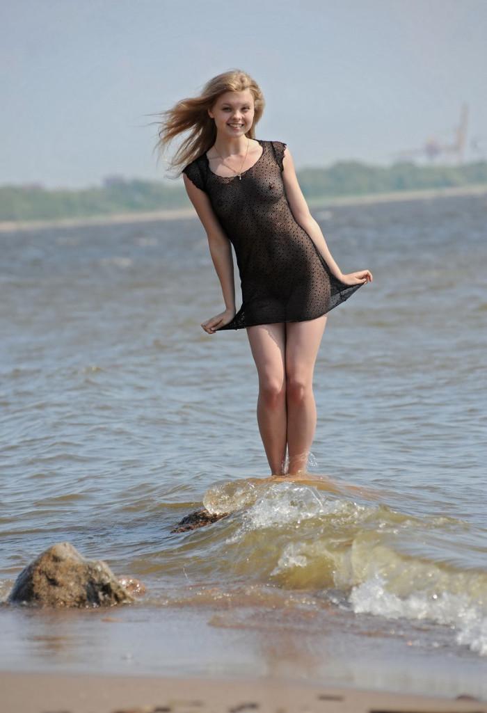 Very Sweet Russian Teen In Transparent Dress At Beach -4020
