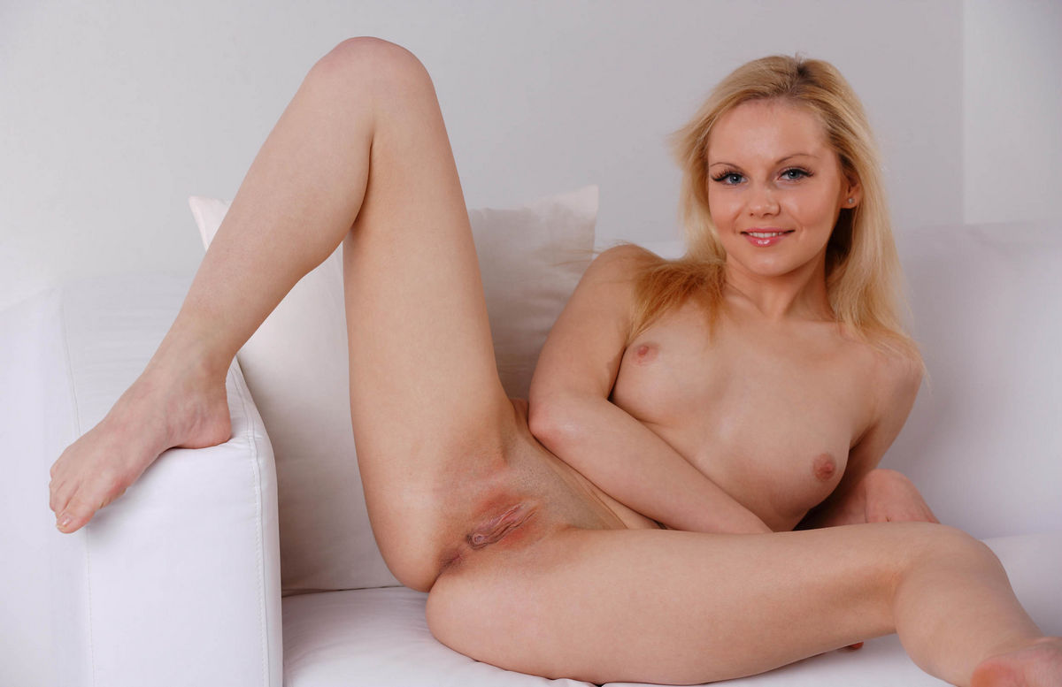 Nude Girls With Open Legs