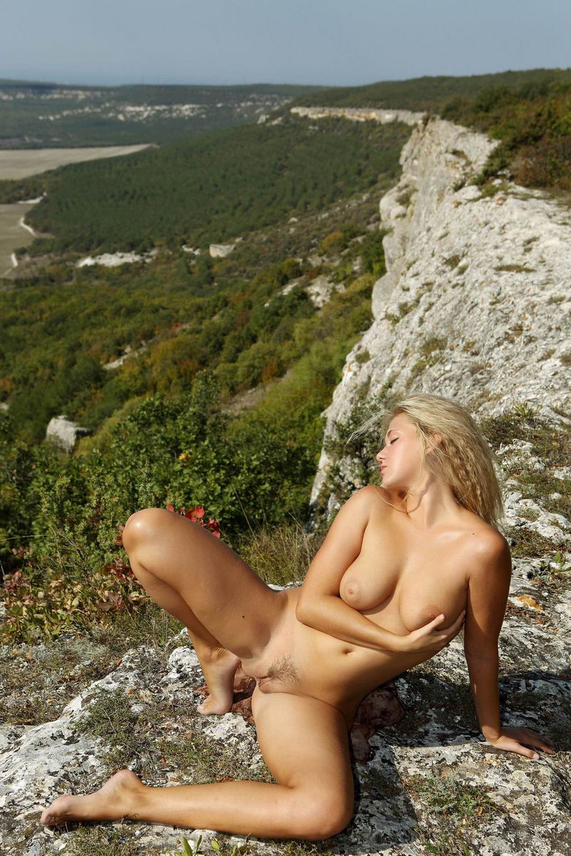 Blonde With Big Boobs Posing Naked At Mountains  Russian -5058