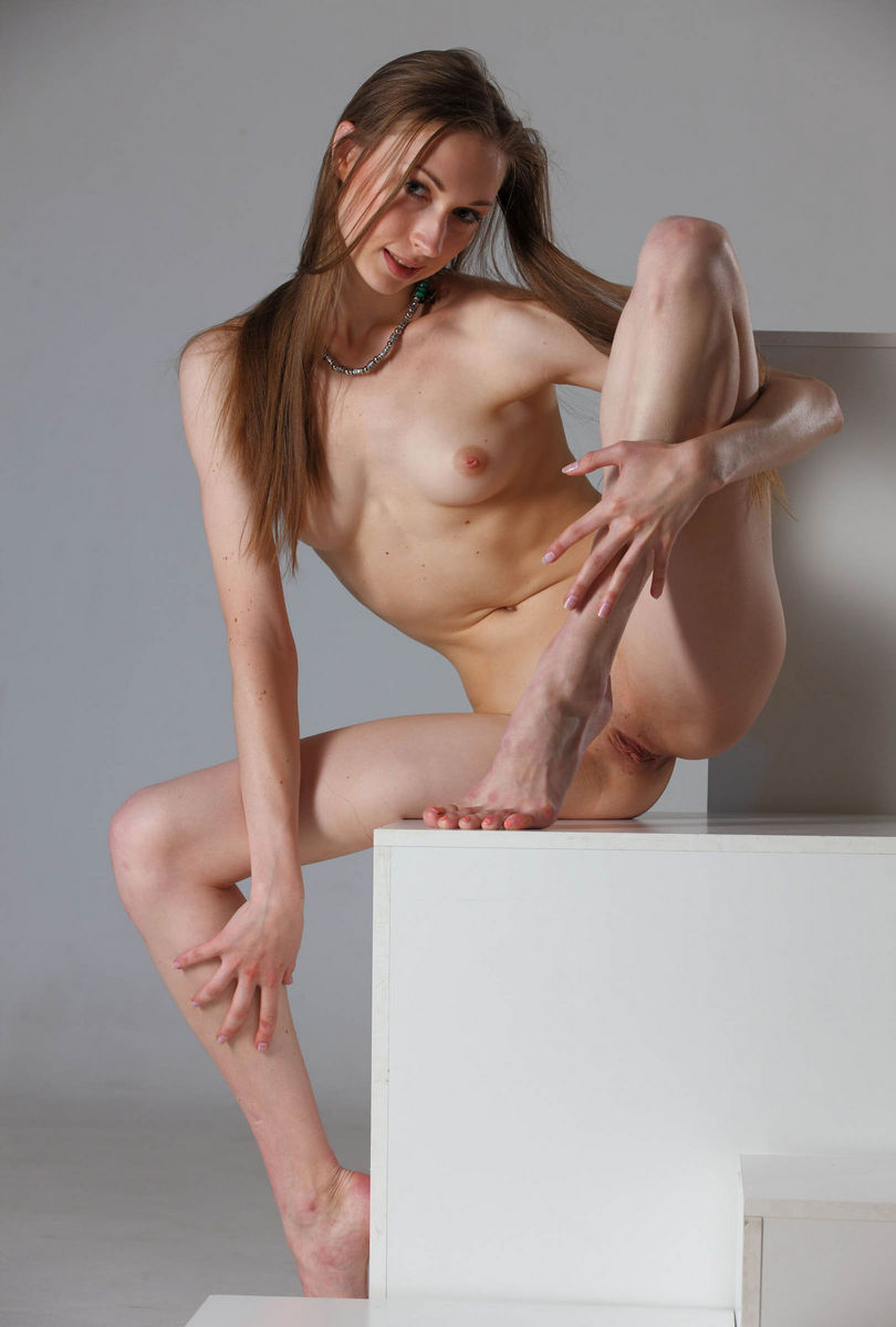sexy girl flexible pussy