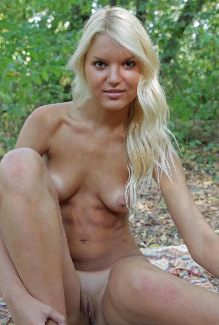 Blonde nude tanned