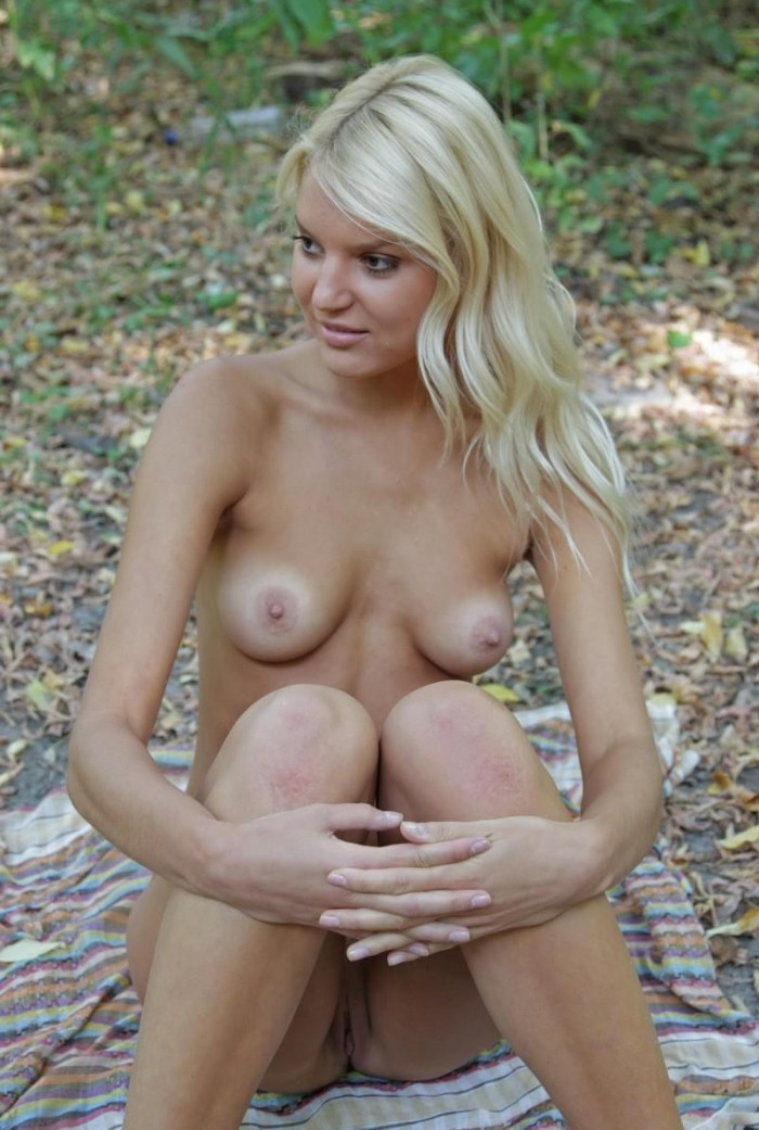 Hot Blonde With Tan Lines Exposes Her Goods At Forest -3759