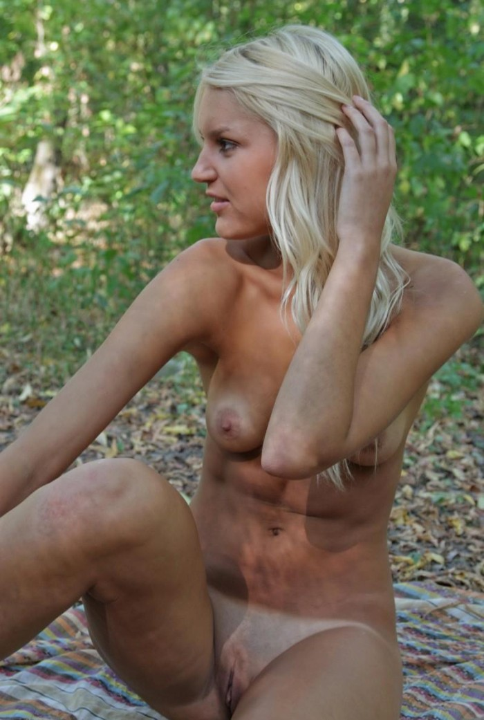 hot naked tan girl