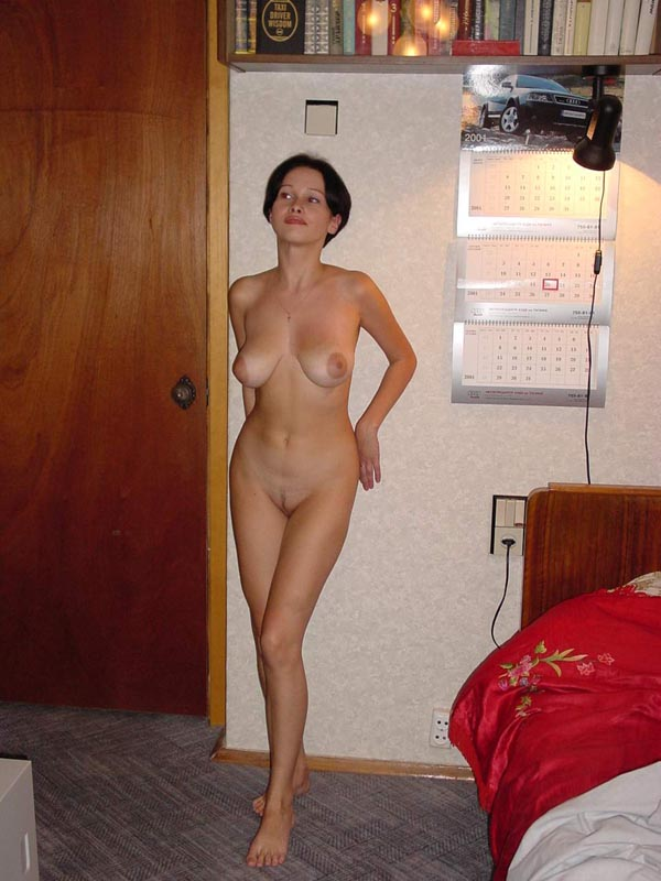 nude picture in clean shave in bed amateur