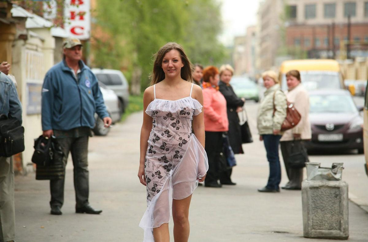 Жена в белых трусиках фото ню
