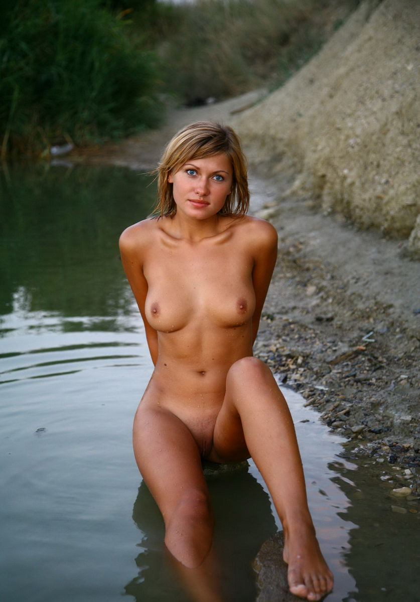 naked girls by the river