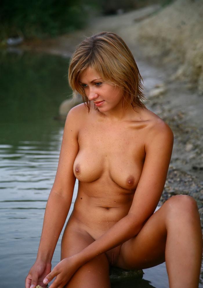 sluty sexy naked woman