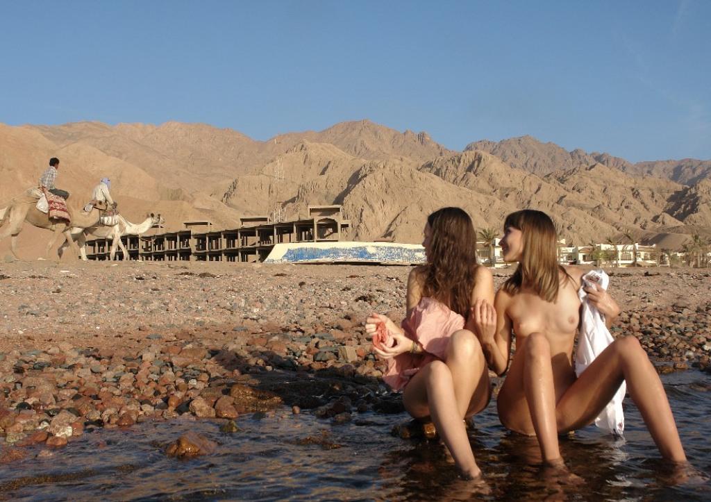 foto-seks-na-plyazhe-egipta