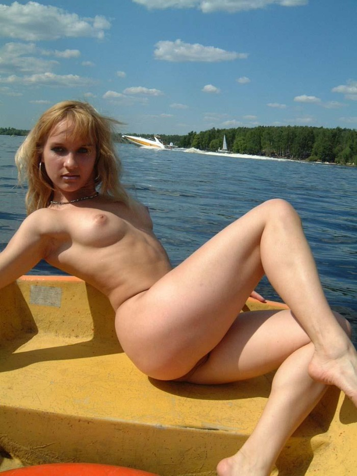 Youthfull Big-Chested Blonde Posing Nude At Boat  Russian -3354