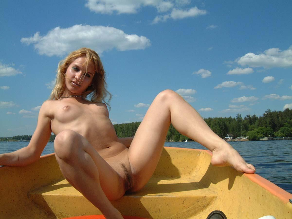 girls boat lake Naked
