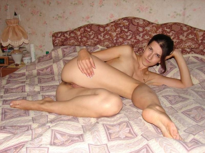 Amateur Pictures Of A Tall Girl With Shaved Pussy -1541
