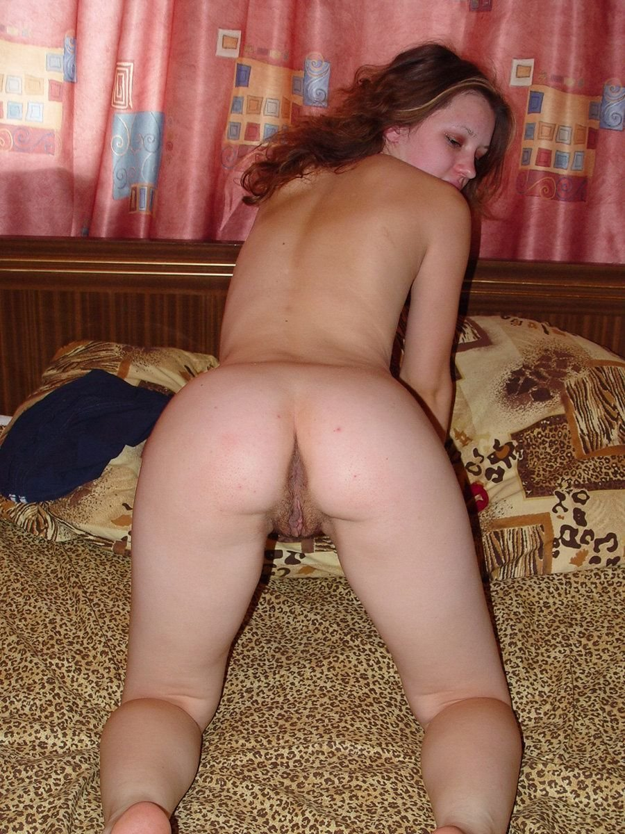 Amateur Russian Girl Takes Off Red Panties To Show Big -6738