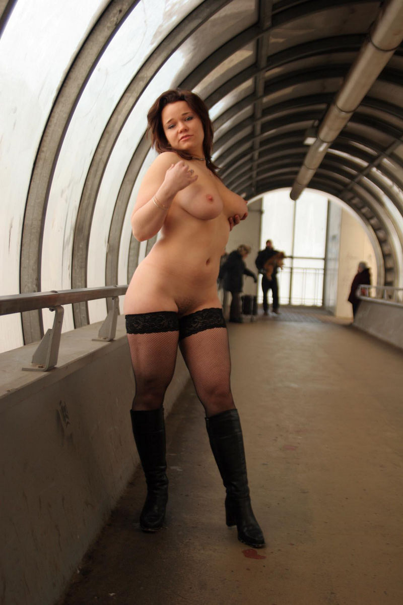 Chubby Russian Busty Girl Posing Only In Stockings At -8597