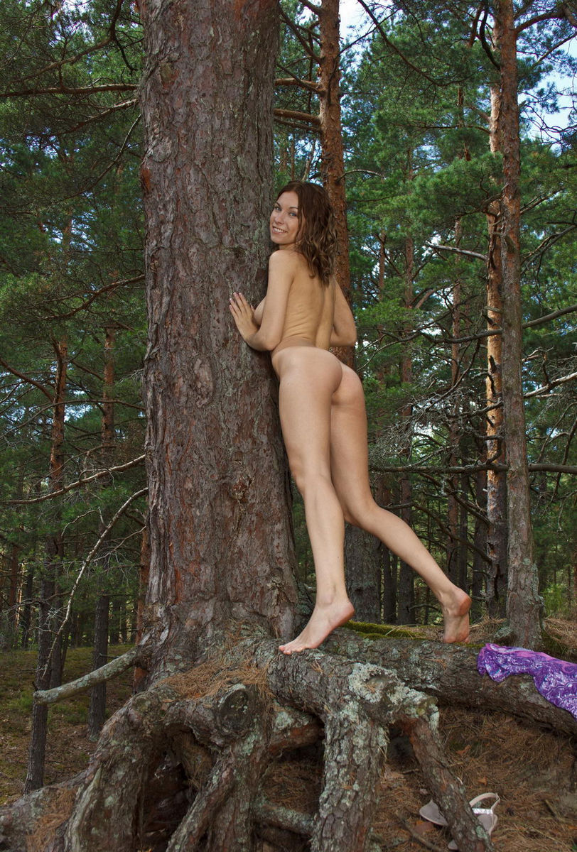 Curly Forest Nymph With Shaved Pussy  Russian Sexy Girls-9948