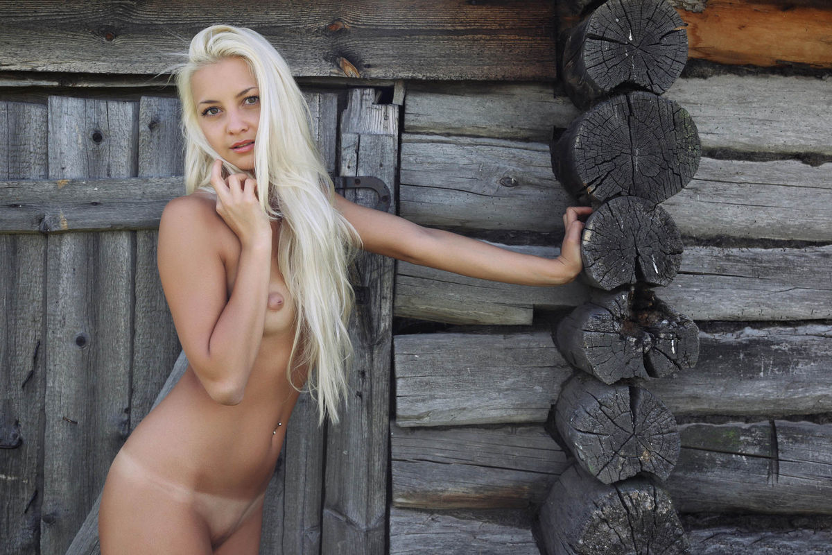 sexy nud russian with tan lines
