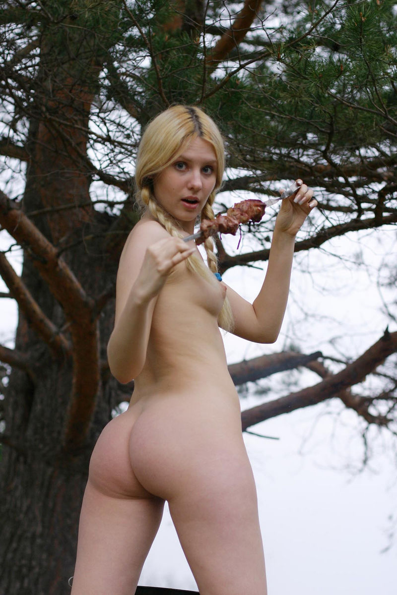 Hot Russian Blonde Cooks Bbq With No Clothes  Russian -3365