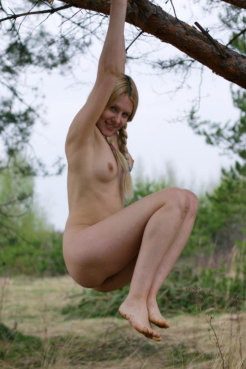 Hot Russian Blonde Cooks Bbq With No Clothes  Russian -4806