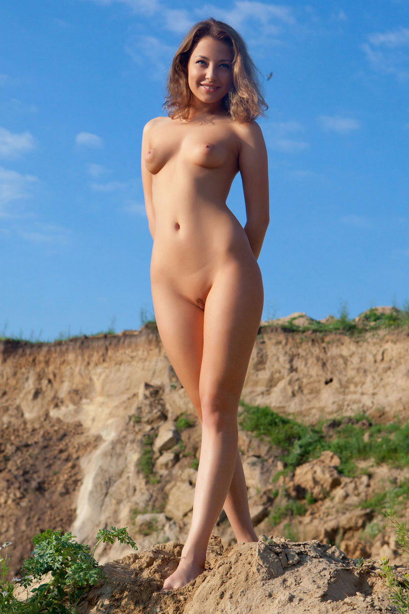 hot naked babe outside