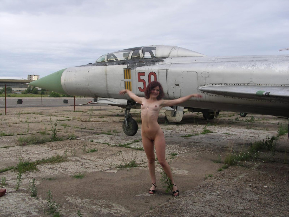 naked-on-airplanes