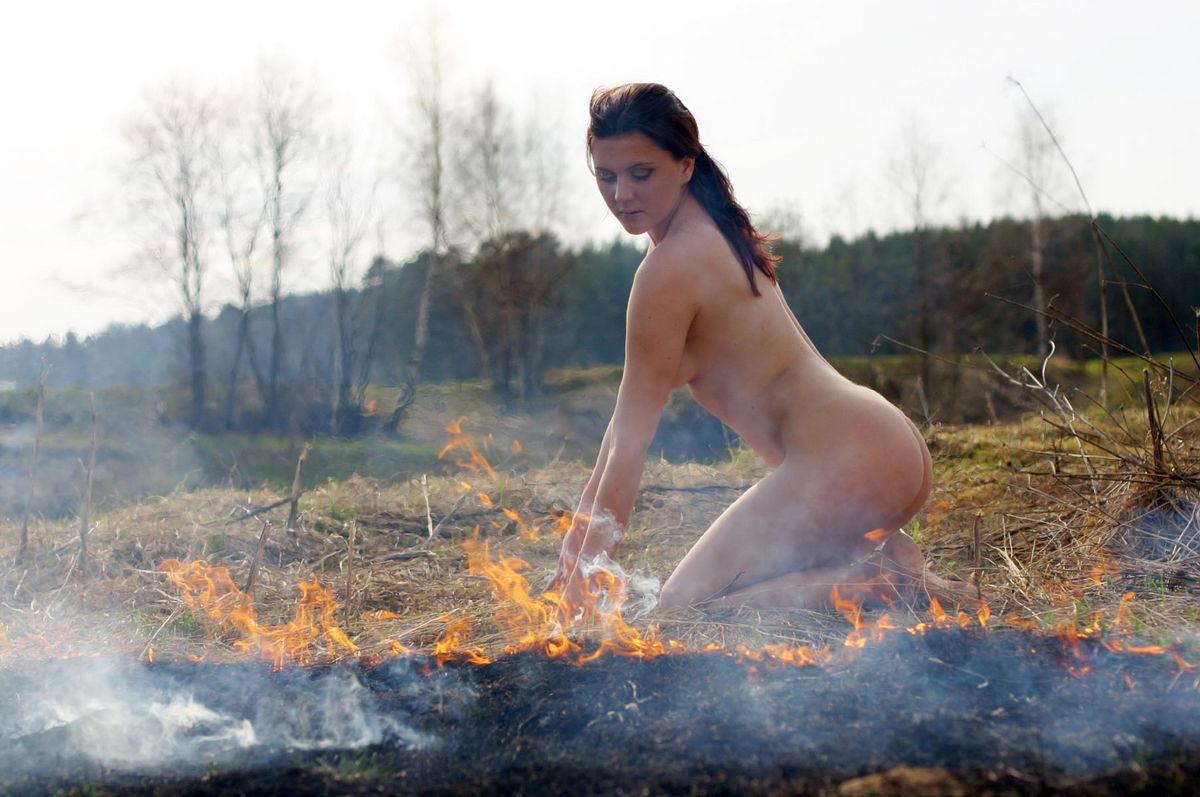 Naked girls humping-4028