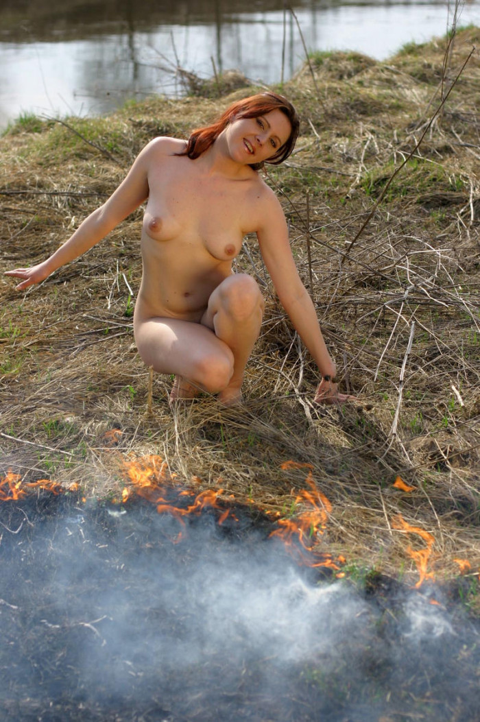 hot naked women in the grass