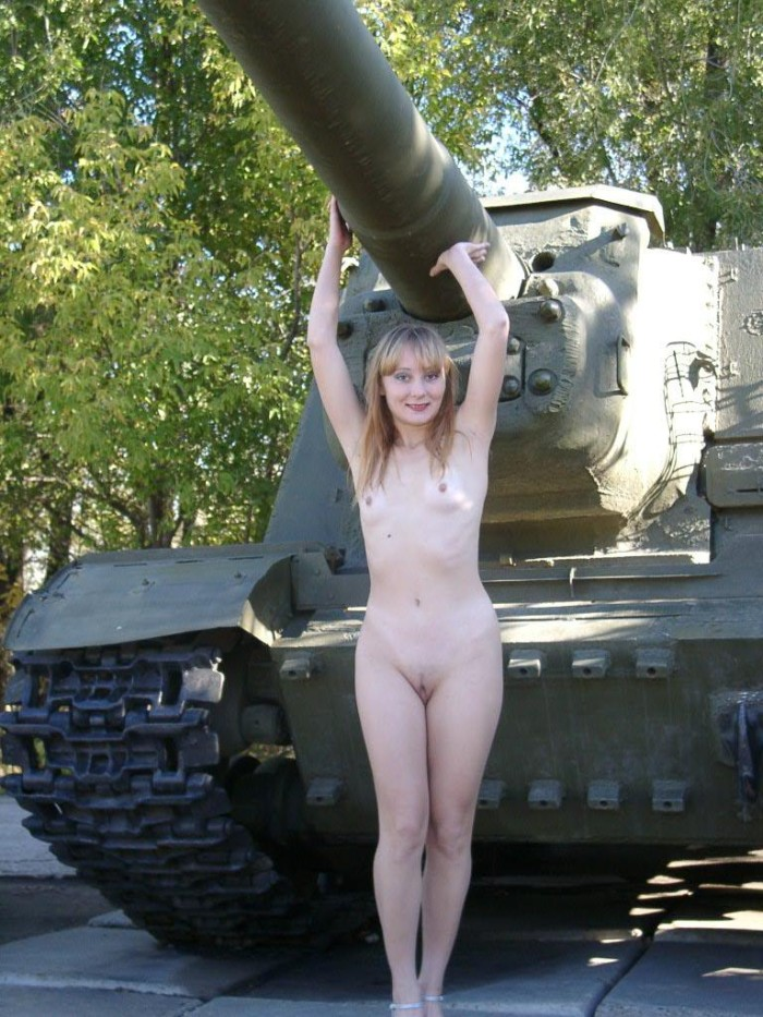 Naked Girl Walks Through The Park In The Middle Of The Day -8846