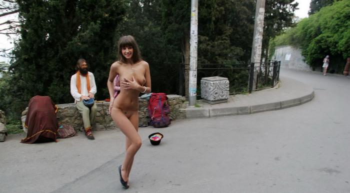 фото девушки раздеваются за деньги