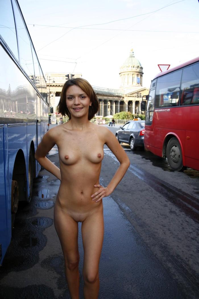Shameless Girl Shows Her Naked Body On The Streets -5090