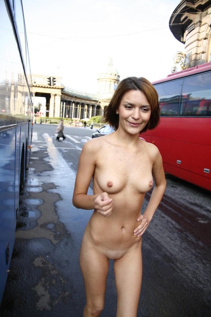 Shameless Girl Shows Her Naked Body On The Streets -2447