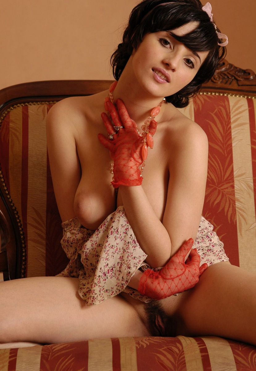 Short-Haired Brunette With Big Boobs And Big Hairy Pussy Posing Only In Red Socks And Red Gloves -7236