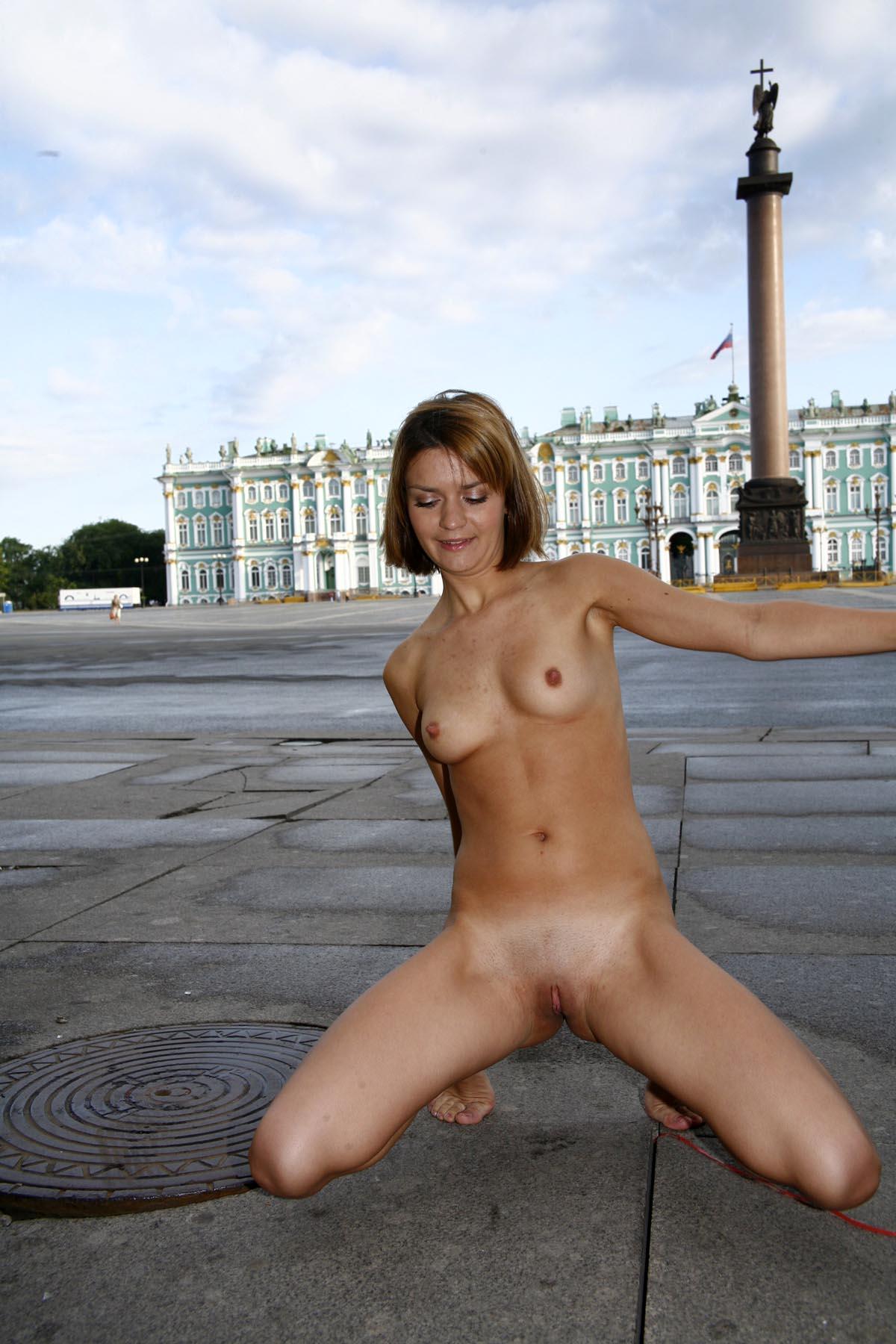 Women masturbating with big toys-3933