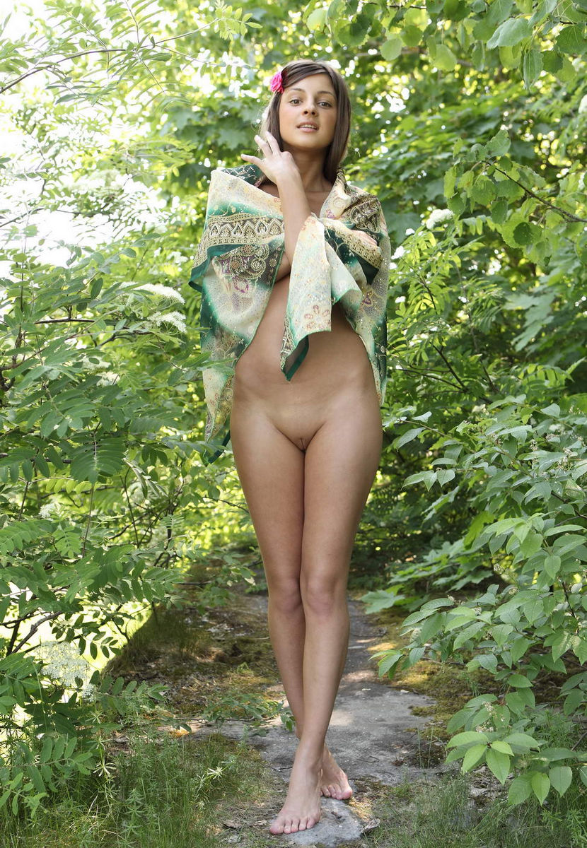 small naked naturist girl