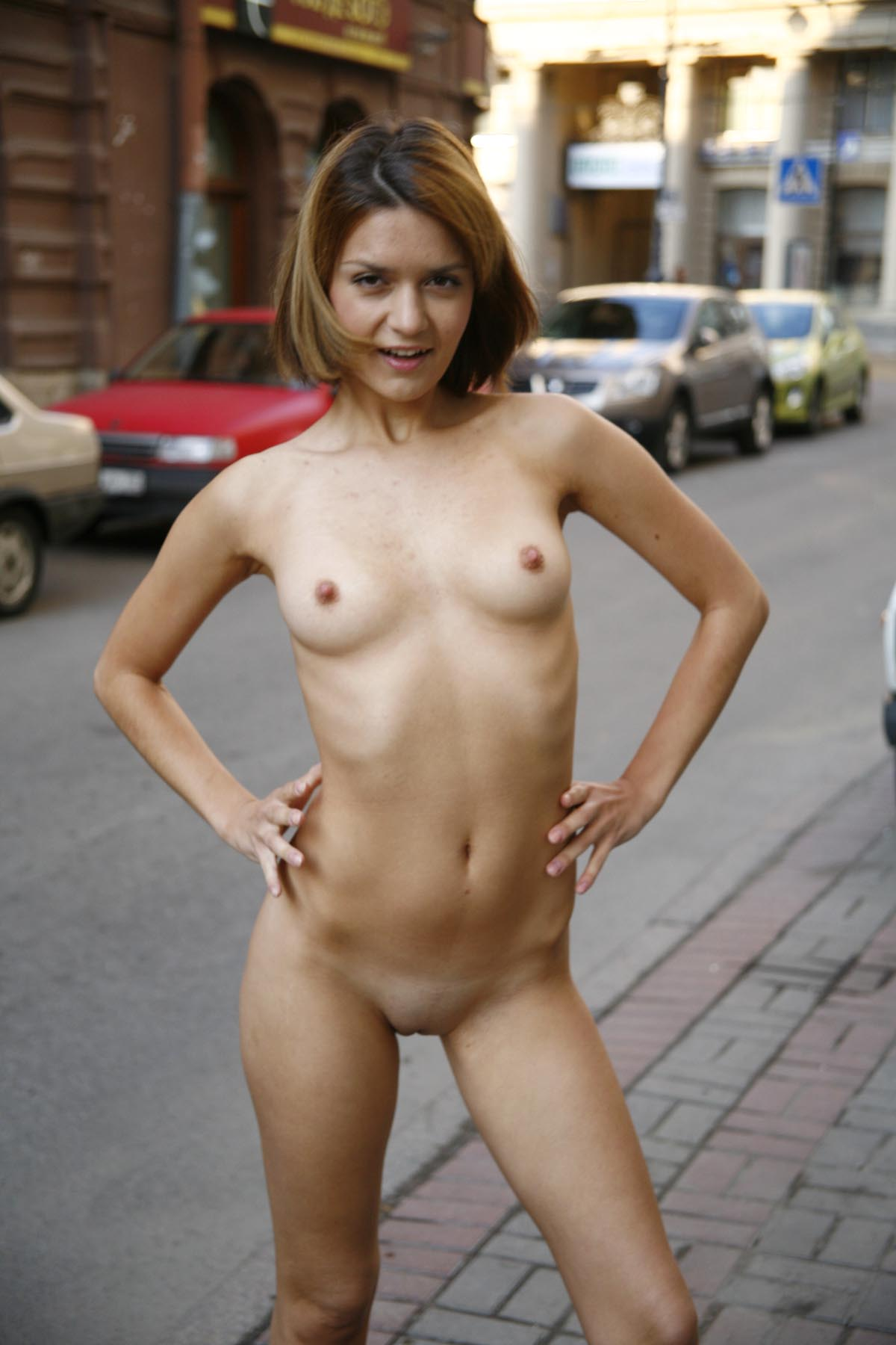 Sporty Short-Haired Blonde Posing Totally Naked At City -3247