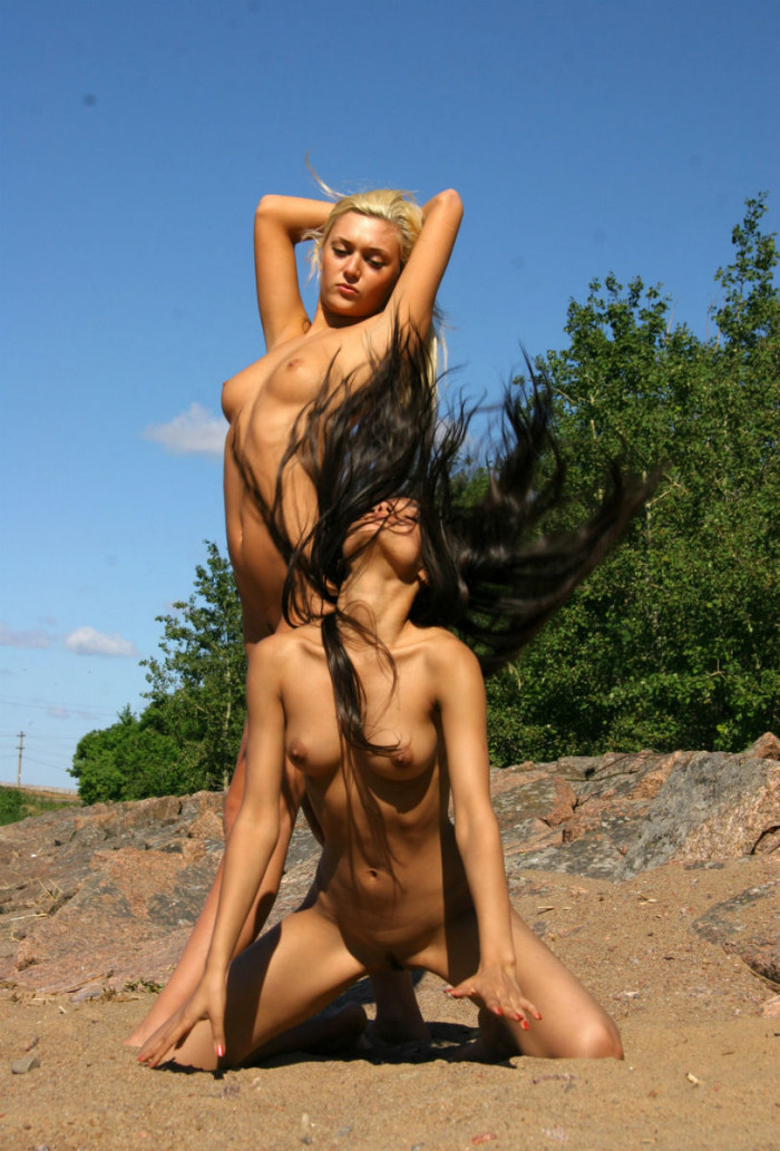 Two Girls Sunbathing Naked On The Beach  Russian Sexy Girls-8592