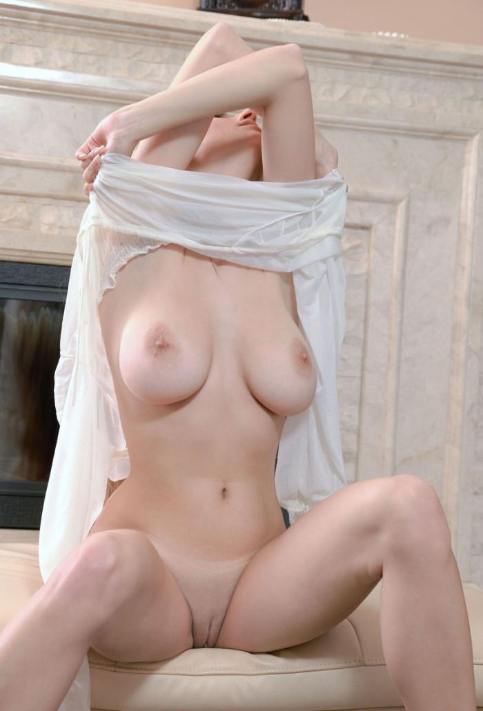 Gorgeous naked babes
