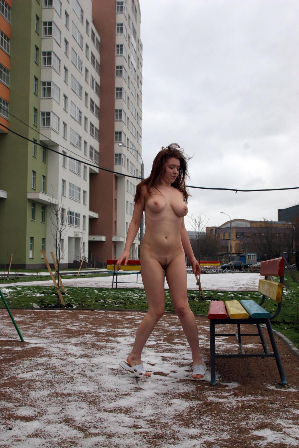 Russian Redhead Chick With Tattoo Posing Naked At Yard -1743