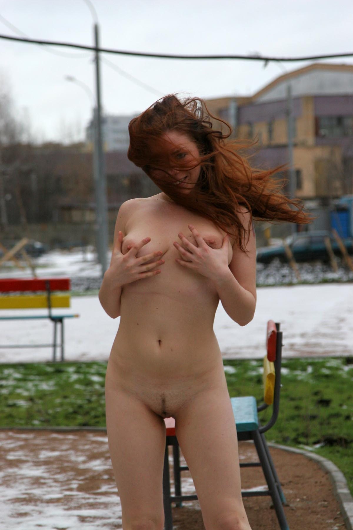 Russian Redhead Chick With Tattoo Posing Naked At Yard -8196