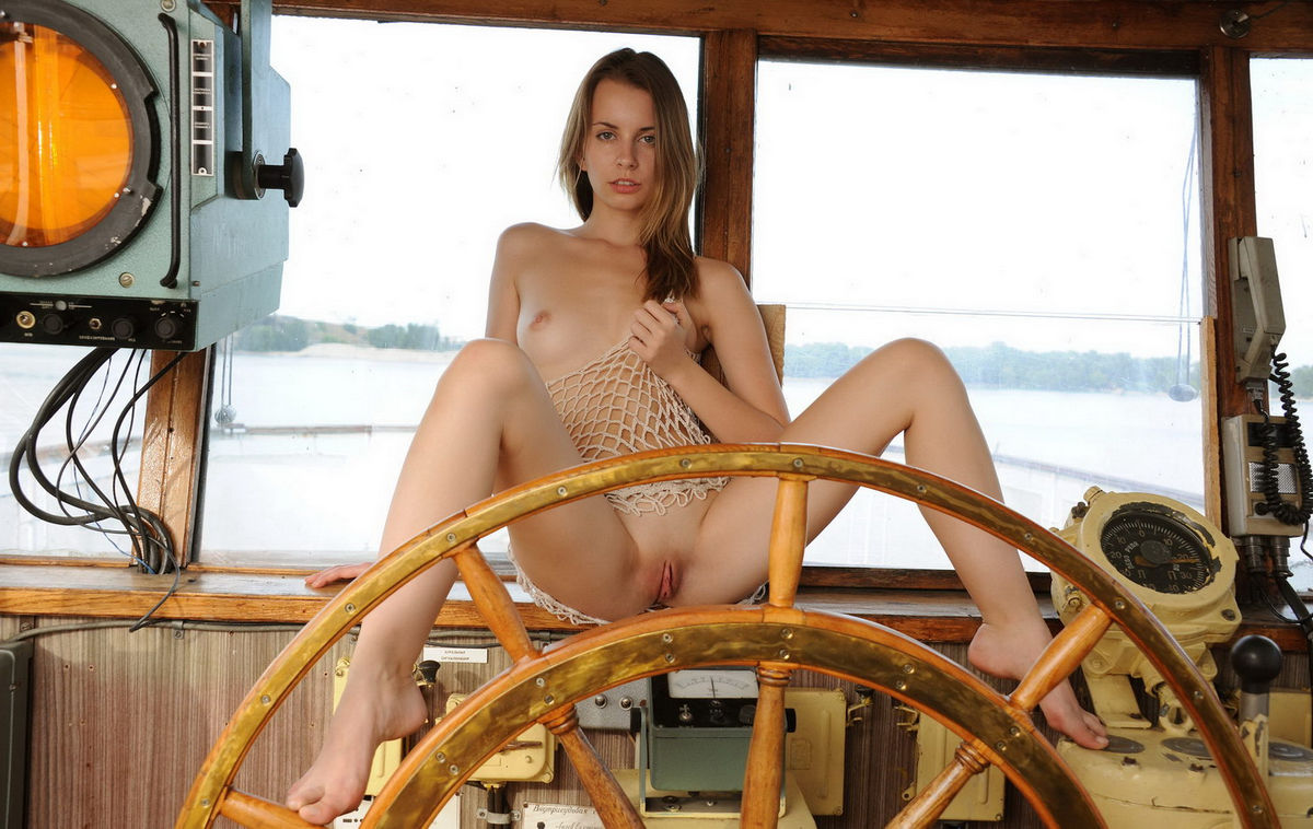 The Nude blondes on boats