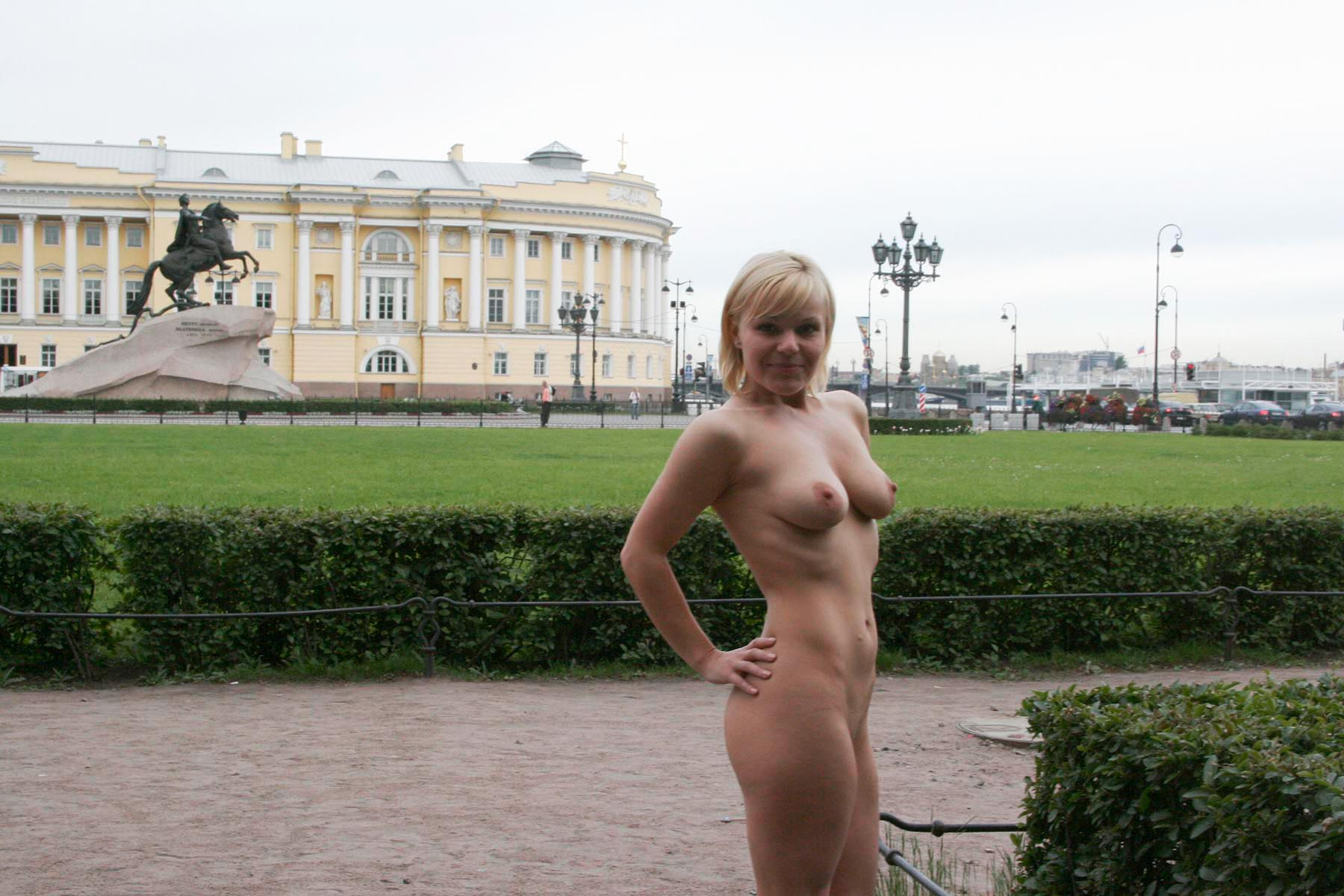 Short-Haired Busty Blonde Walks Naked At Very Center Of -6084