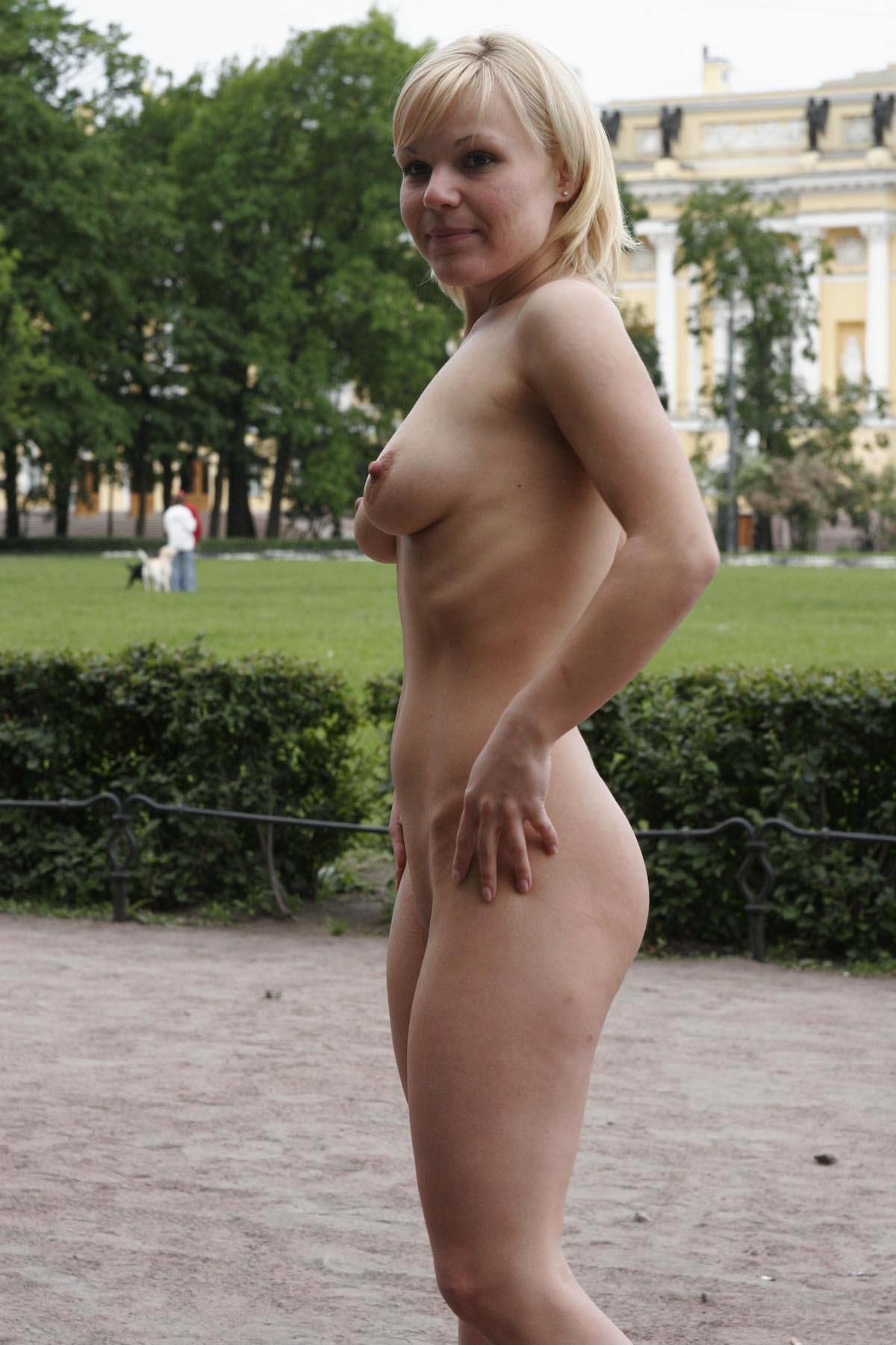 Short-Haired Busty Blonde Walks Naked At Very Center Of -5994