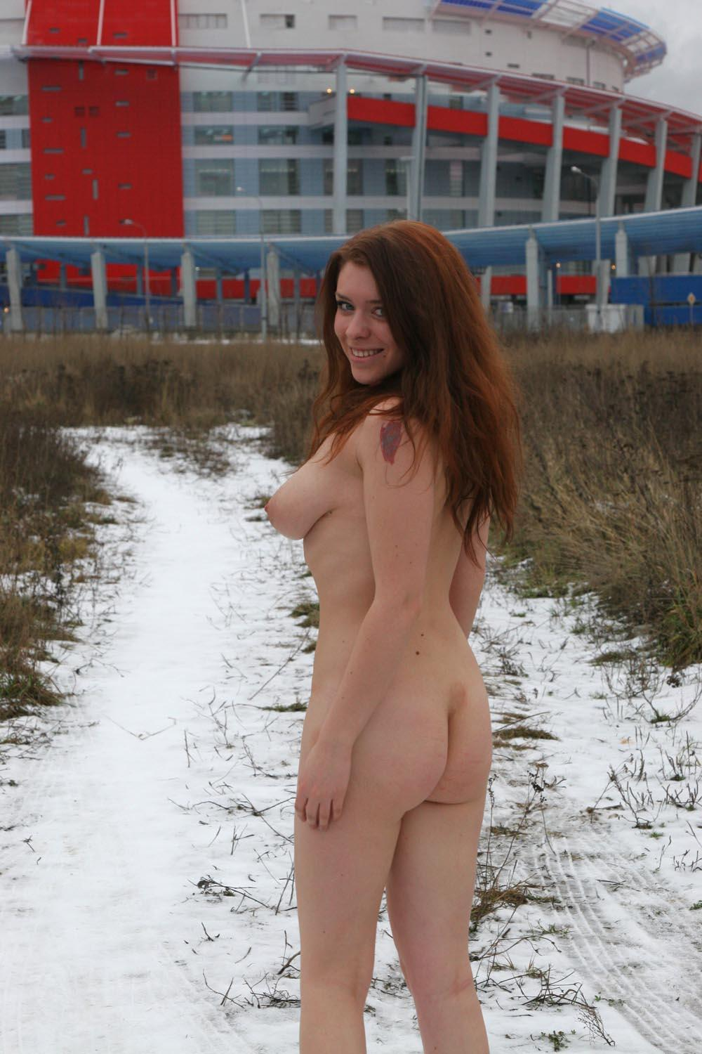 Smiling Russian Busty Teen Walks Naked At Winter  Russian -3700