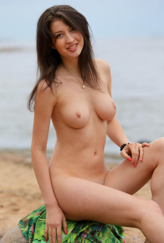 Tall Russian Brunette With Big Boobs Posing N The Beach -8709