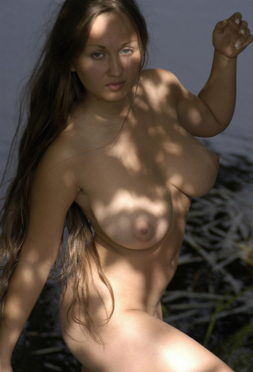 Super nice naked natural tits