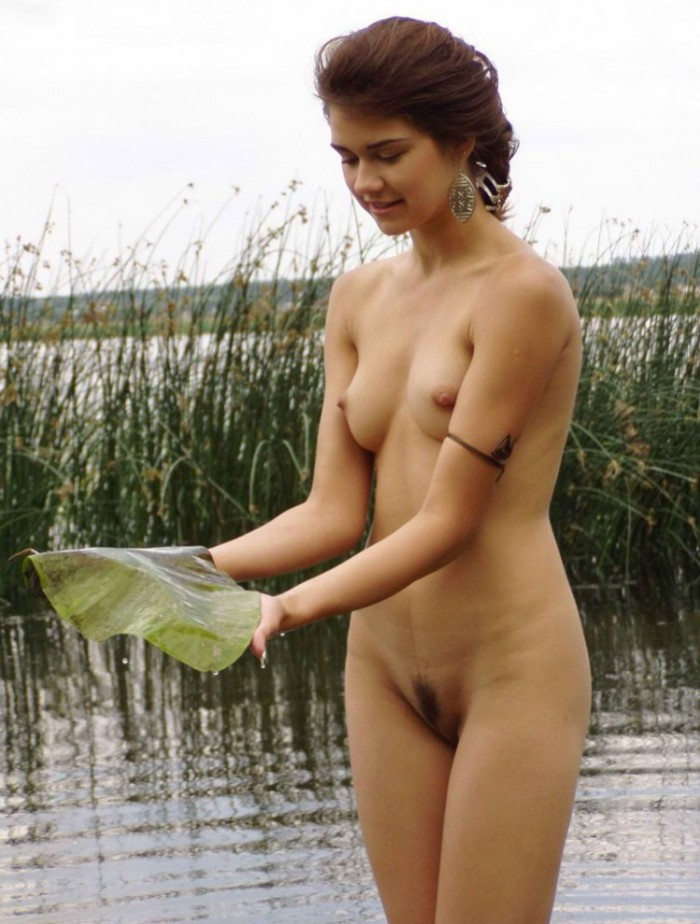 The Short-Sheared Cute Girl Posing In A River With Water -9096