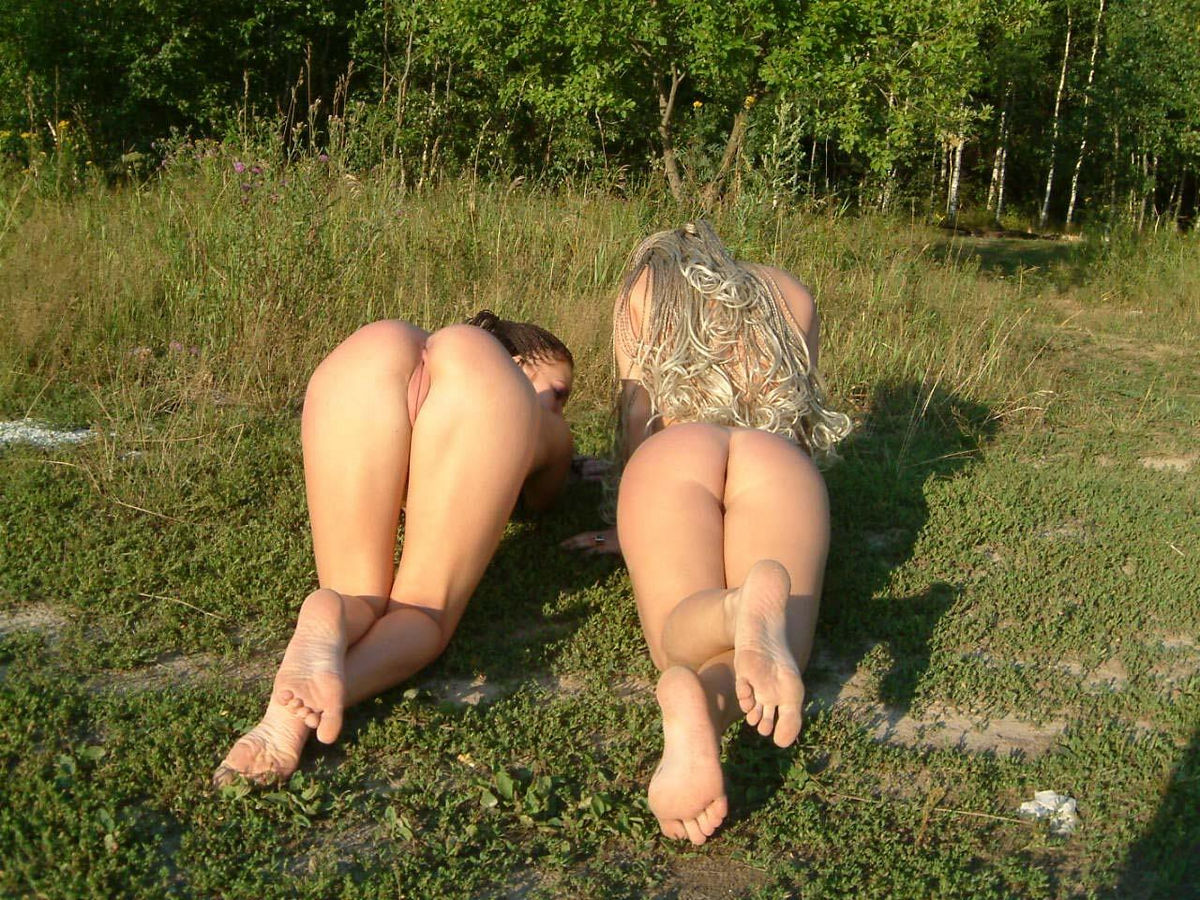 Two Busty Girls With Dreadlocks Plays Naked Outdoors -8765