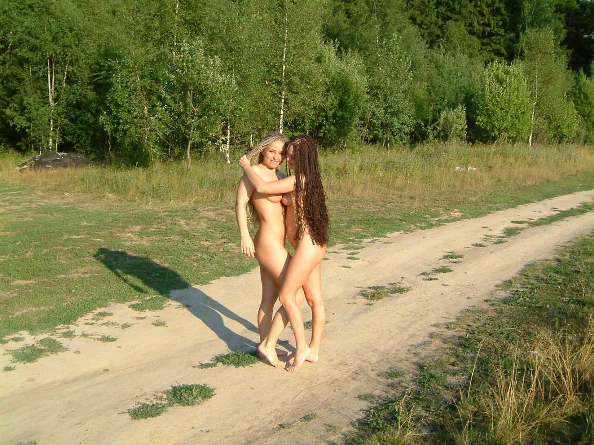 Naked and beautiful ladies-2973