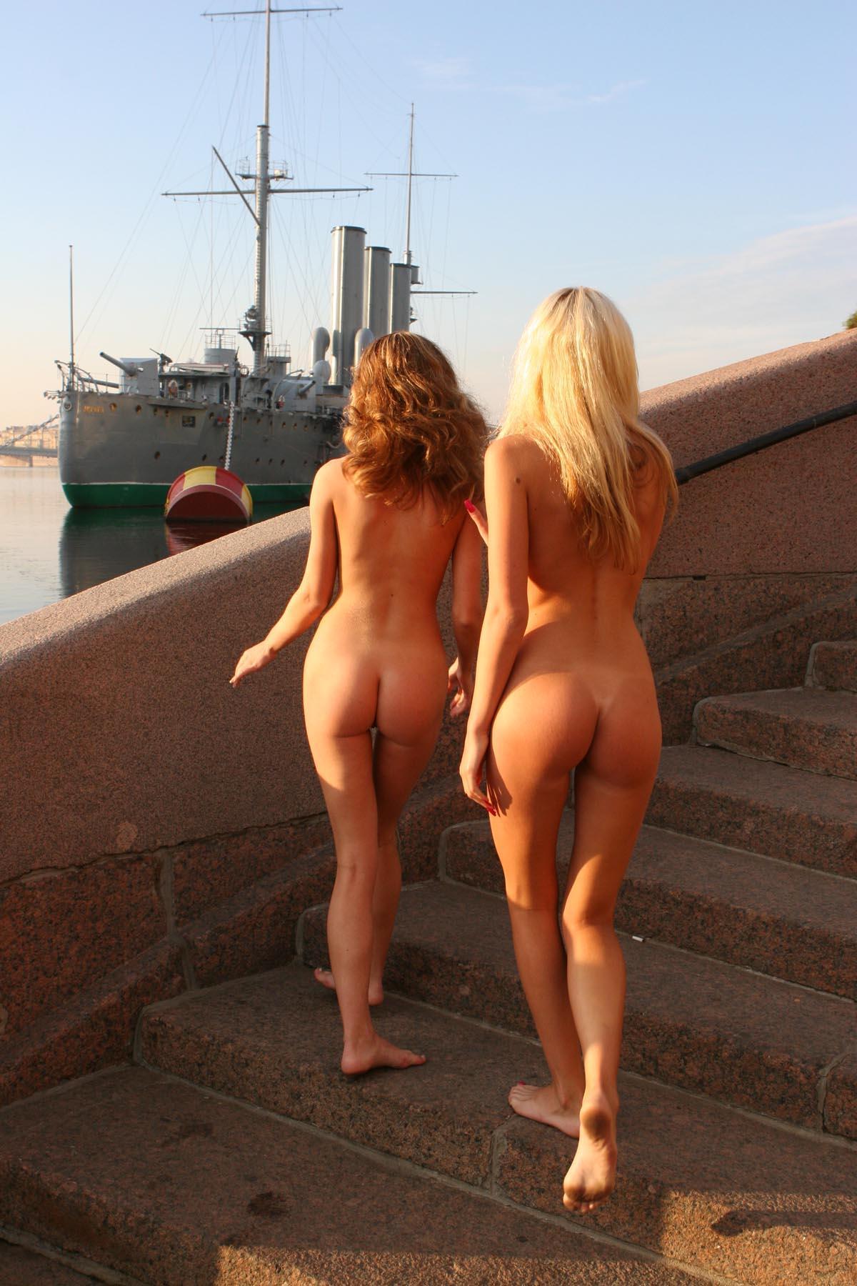 Порно на крейсере аврораонлайн