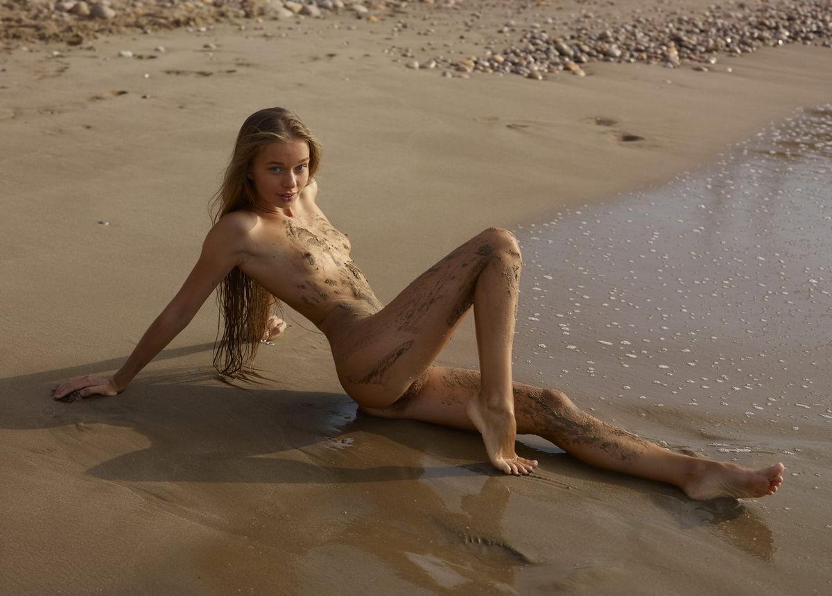 kashmir hot nude girl in hd