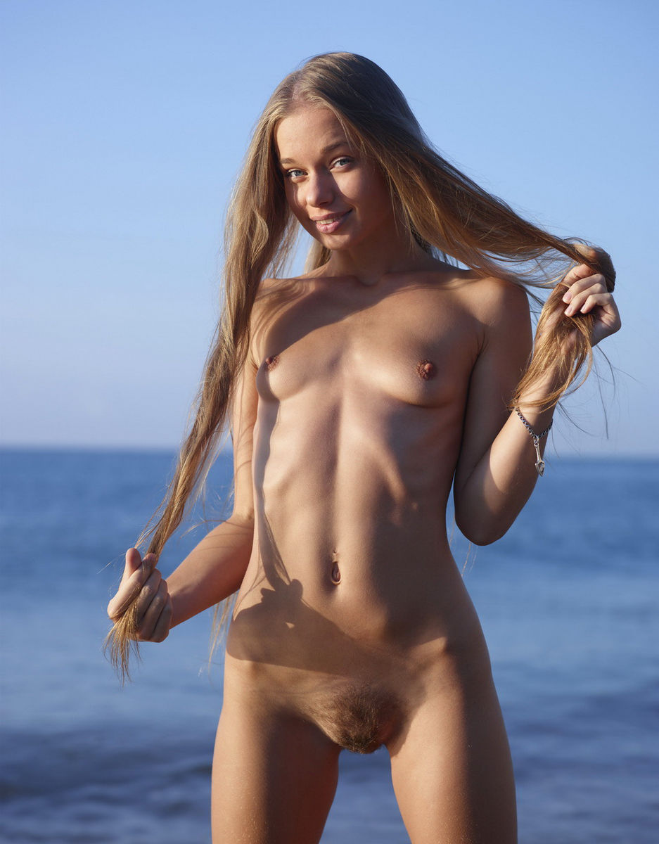 Pure hairy on the beach scene Lucky
